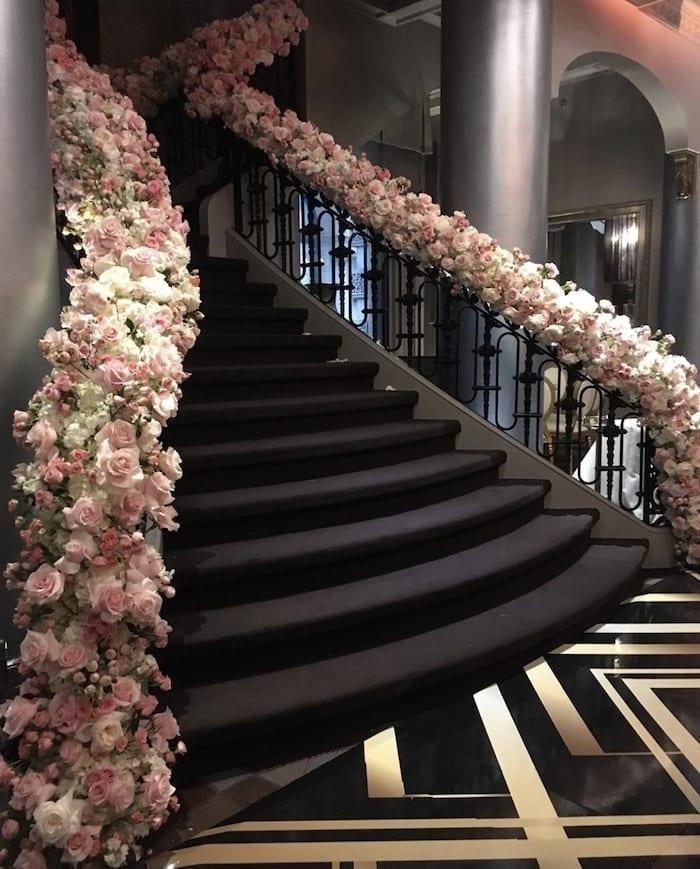 stairs flowers aura design