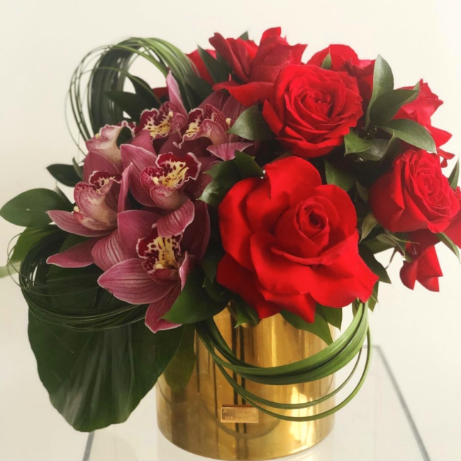 flower arrangement holiday